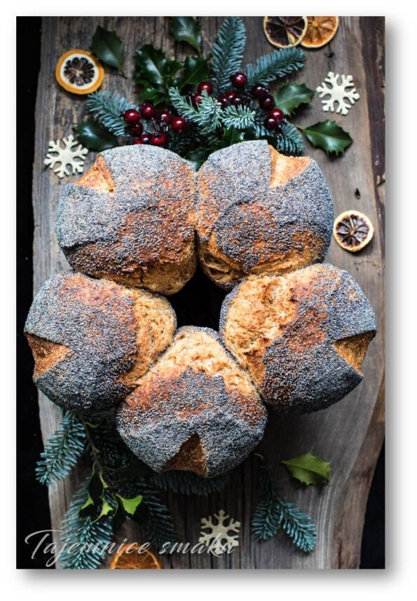 chleb świąteczny wieniec