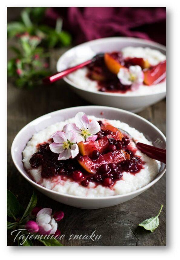 ryż na mleku kokosowym pudding z owocami
