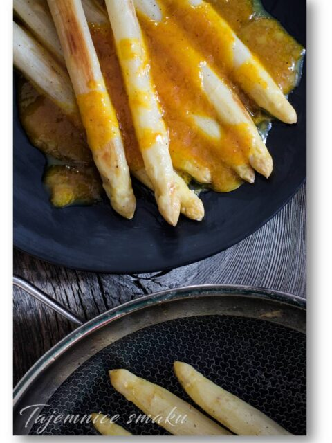 białe szparagi pomarańczowy sos maślany beurre blanc