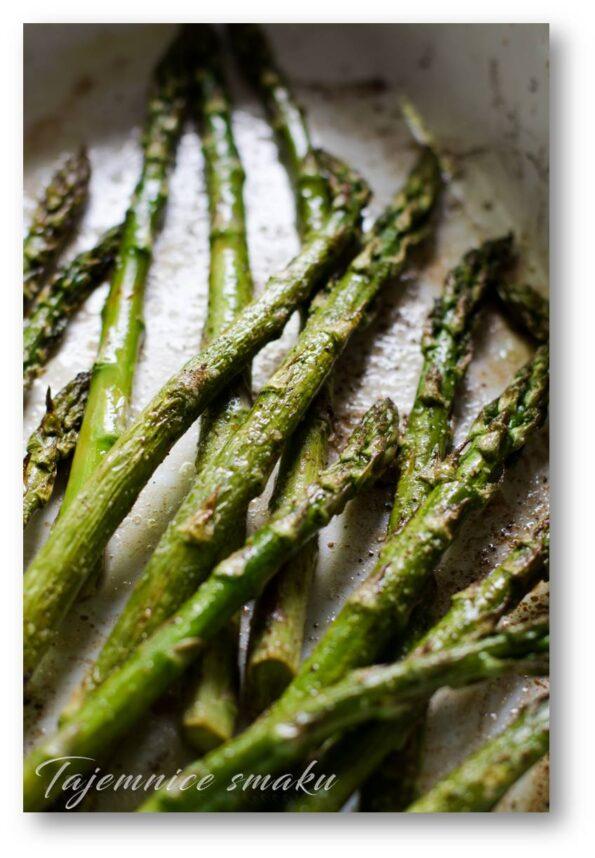 grillowane zielone szparagi