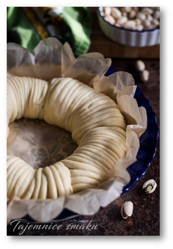 wełniane ciasto drożdżowe