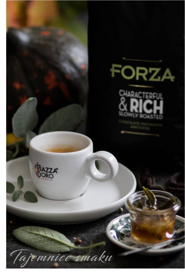 kawa esspreso z syropem klonowym